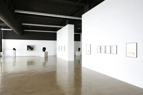 Thomas Helbig 2007 Homo Homini Lupus II Exhibition view Galerie Guido W. Baudach